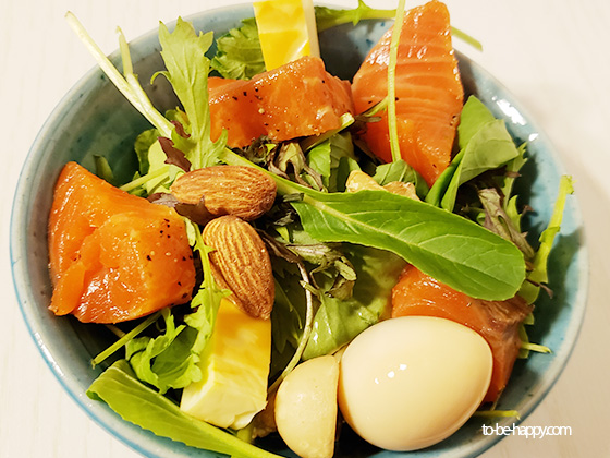 おすすめ 燻製シートで作った燻製サラダ