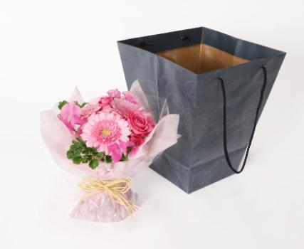 介護施設へ入居する母への花のプレゼント